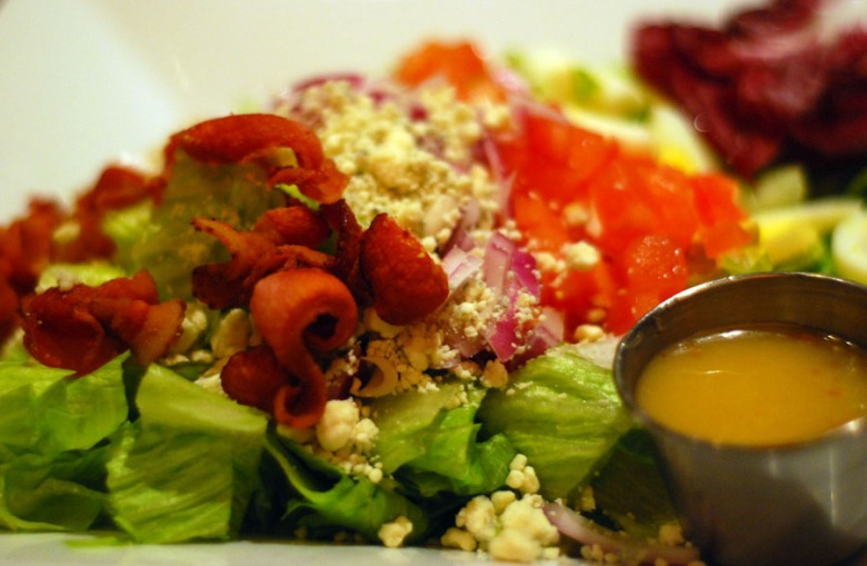 Salad-with-bacon_9683