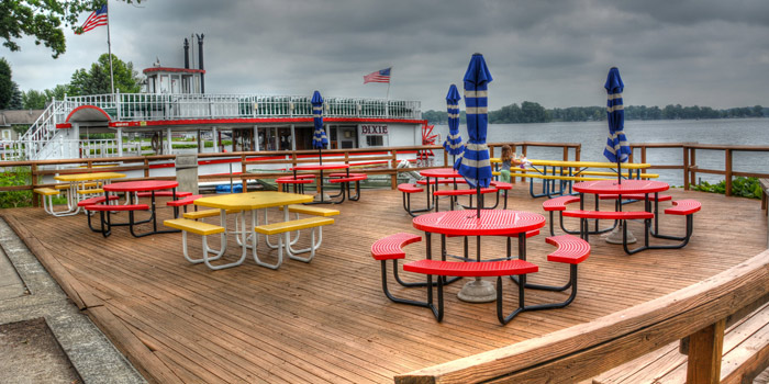 Pizza-King-North-Webster-deck-and-the-Dixie-Sternwheeler-on-Webster-Lake.1