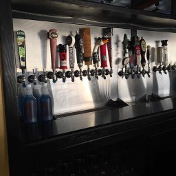Getting the taps ready at Asian-Cajun
