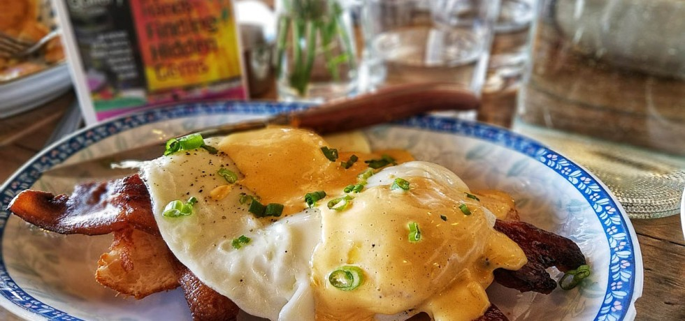 brunch, egg benedict, warsaw, indiana, restaurant
