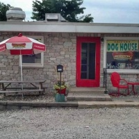 Chicago DogHouse Owners Announce Retirement and Closing of Restaurant