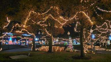 Christmas lights at Central Park in Warsaw, Indiana (Kosciusko County)